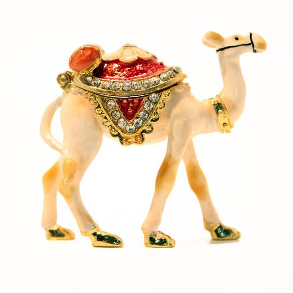 Arabic Camel Showpiece with a hump that can be open for decoration